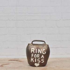 ring for a kiss